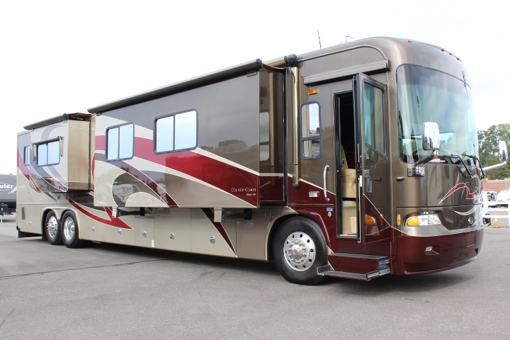 2008 COUNTRY COACH M-CRANE PRAIRIE 500HP CUMMINS QUAD SLIDE CLASS A - DIESEL MOTOR HOME