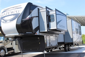2019 Heartland Gateway 3230CK Fifth Wheel