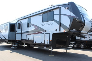 2019 Heartland Gateway 3900MB Fifth Wheel