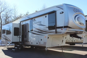 2019 PALOMINO COLUMBUS 329DV FIFTH WHEEL