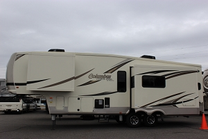 2019 PALOMINO COLUMBUS 297RKC FIFTH WHEEL