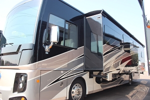 2019 HOLIDAY RAMBLER ENDEAVOR XE 38N