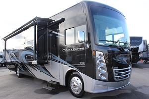 2020 THOR CHALLENGER 37FH CLASS A-GAS MOTOR COACH