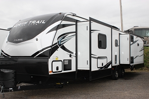 2020 HEARTLAND NORTH TRAIL 33RETS TRAVEL TRAILER