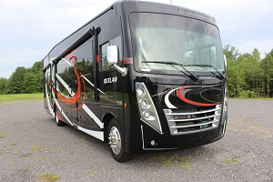 2020 THOR MOTOR COACH OUTLAW CLASS A  – GAS - TOY HAULER MOTOR HOME