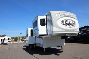 2021 COLUMBUS PALOMINO 389FL 5TH WHEEL