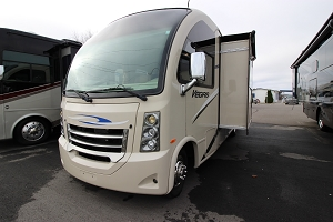 2015 THOR MOTOR COACH VEGAS 25.1 CLASS-A USED GAS MOTOR HOME