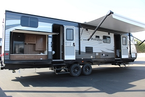 2019 Heartland Prowler Lynx 32LX Travel Trailer