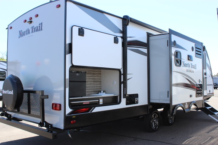 2019 Heartland North Trail Caliber 27RBDS Travel Trailer