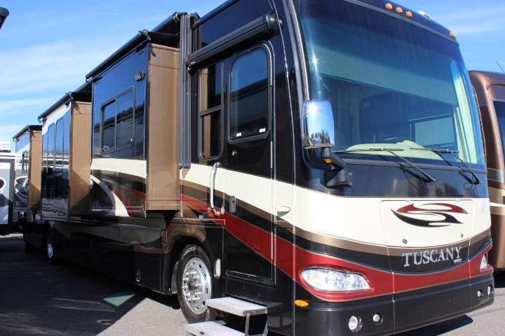 2008 DAMON TUSCANY 4055 CLASS A – DIESEL MOTOR HOME