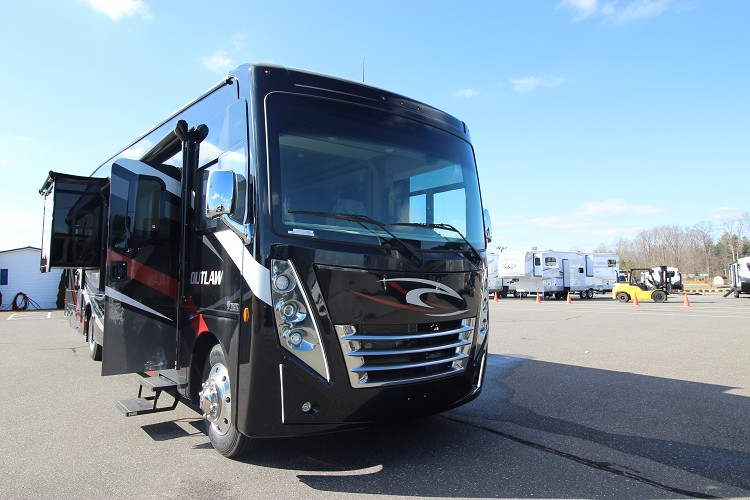 2021 THOR MOTOR COACH OUTLAW 38MB CLASS A GAS TOY HAULER
